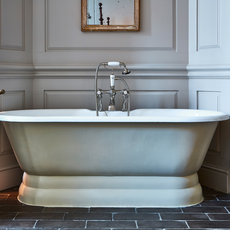 A freestanding tub